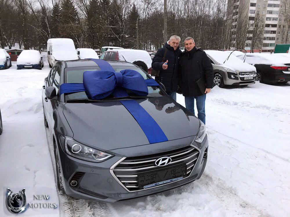 HYUNDAI Elantra с доставкой в Минске