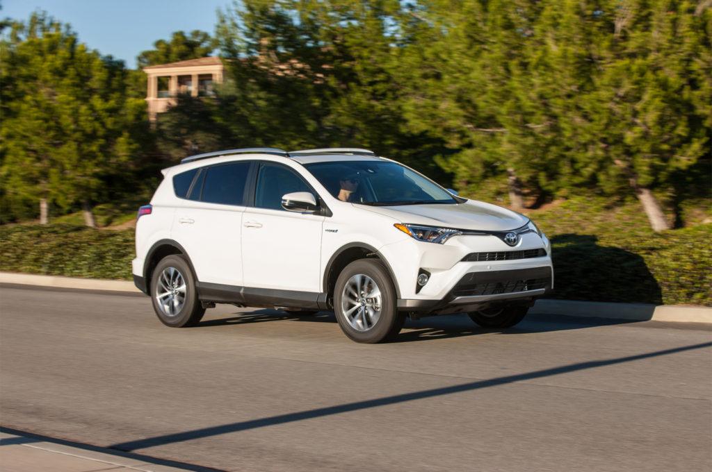 2017-Toyota-RAV4-Hybrid-XLE-front-three-quarter-in-motion-02-1024x680.jpg