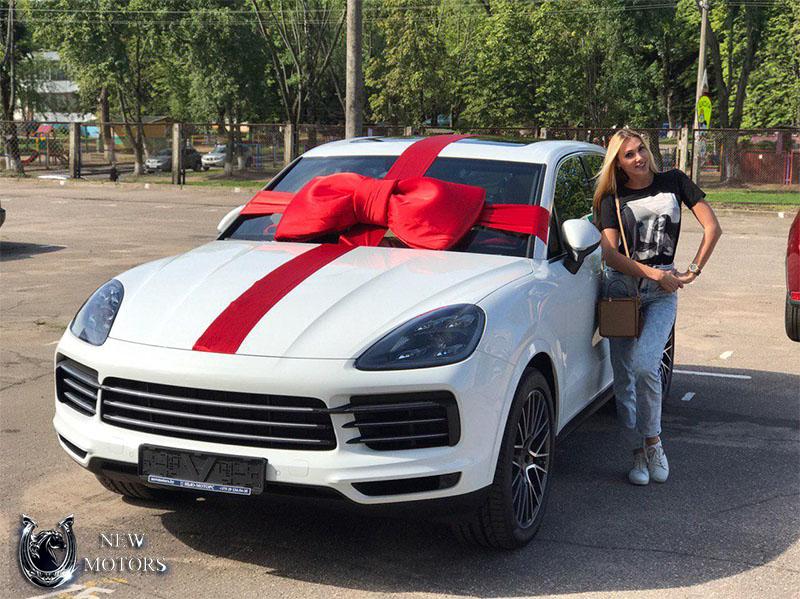 Porsche Cayenne с доставкой под заказ