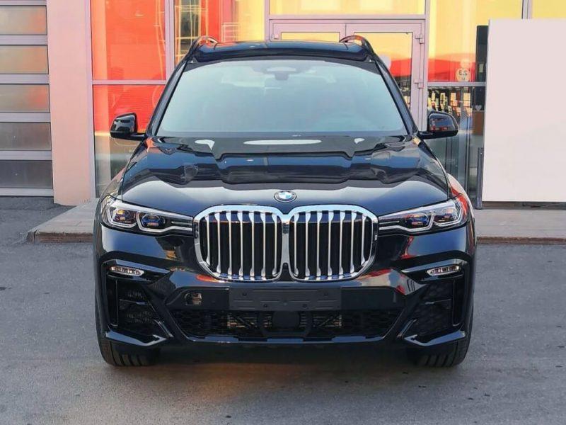 BMW X7 M Sport (4)