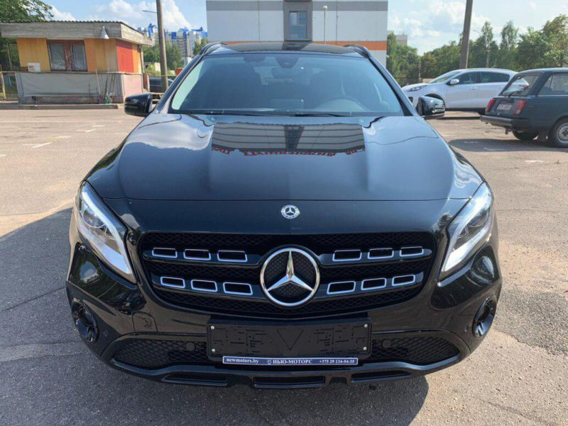 Mercedes-Benz GLA 200 Urban Night Edition (4)